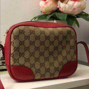 Gucci red crossbody. Bree GG canvas.  Authentic